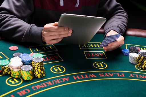 du kan spela poker på nätet